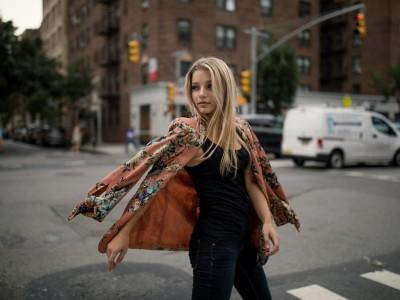 9 знаци дека сте во врска со зрела и возрасна жена