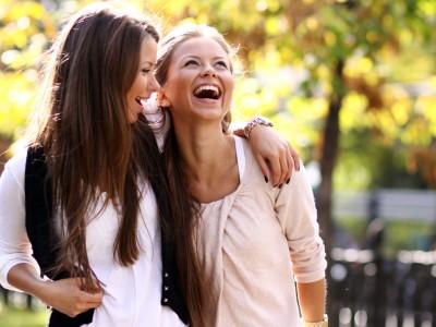 11 работи што треба да ги направите со вашата најдобра пријателка оваа година