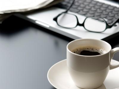 Дали е неопходно да ја миете вашата шолја за кафе од работа секој ден?
