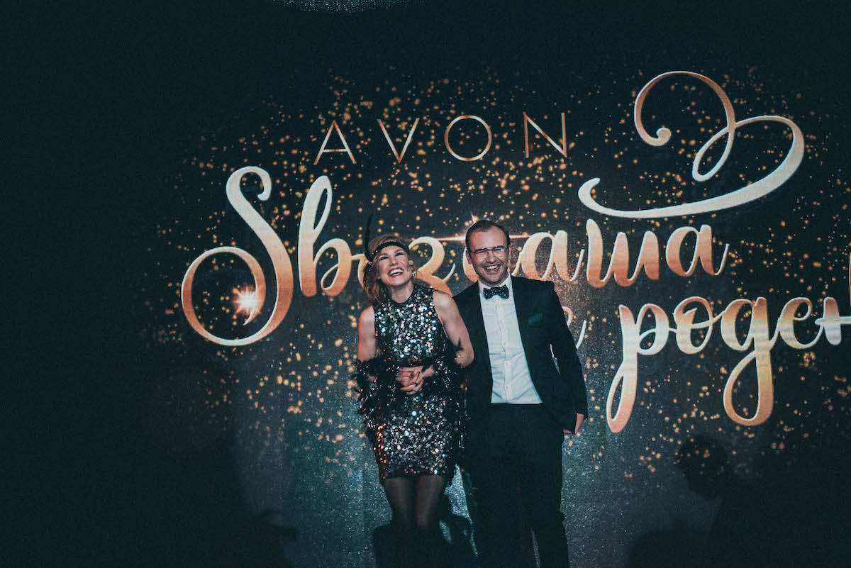 Ѕвездите на AVON во Скопје блеснаа во сјајот на холивудскиот гламур од 20-тите години на минатиот век