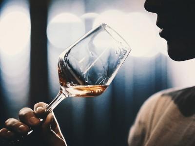 Истражувањата откриваат: Алкохолот го продолжува животот!