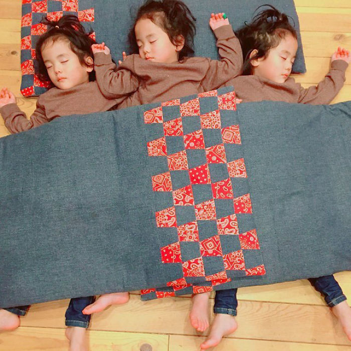 (10) majka-od-japonija-go-fotografira-svojot-neverojaten-zhivot-so-bliznaci-i-trojka-www.kafepauza.mk