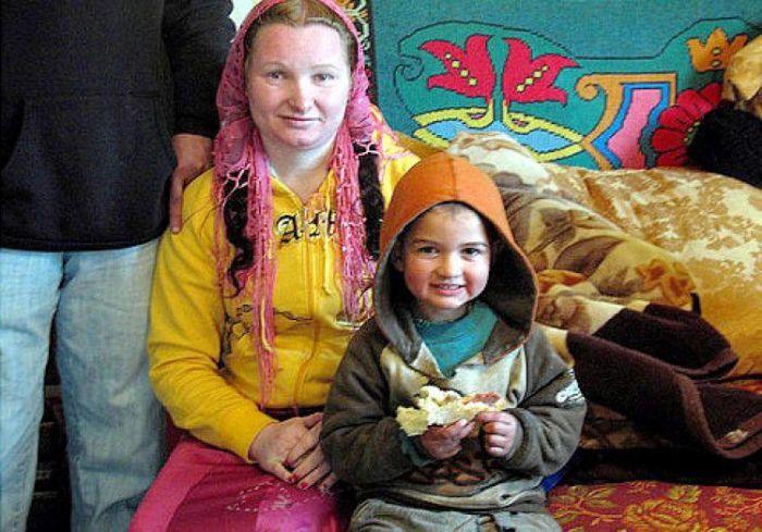 23-годишна жена е најмладата баба на светот