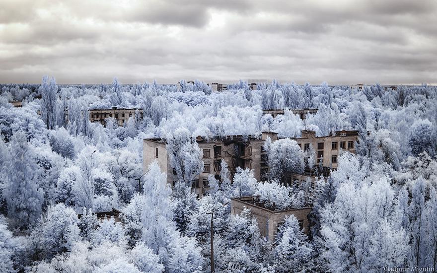 Морничави фотографии од Чернобил со инфрацрвен филтер