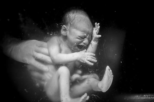 Неверојатни породилни фотографии кои докажуваат дека мајките се вистински хероини!