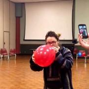 Пеење опера со хелиум