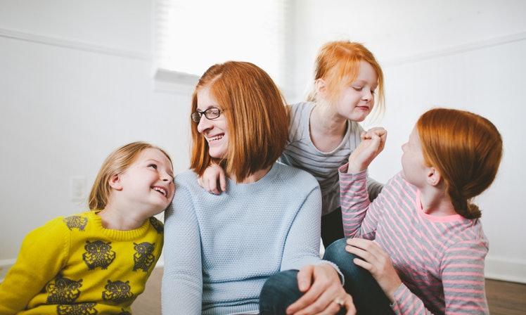 Зошто врската помеѓу сестрите и нивната мајка е нераскинлива?