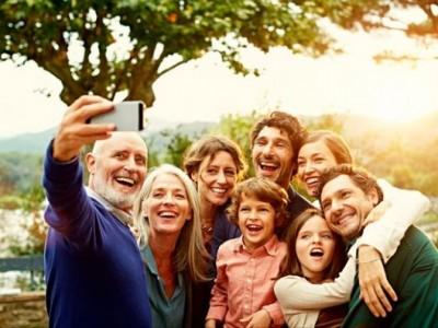 10 мали и едноставни традиции што ќе го зближат вашето семејство