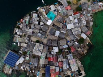 Погледнете ги фотографиите од најнаселениот остров на Земјата