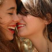 Истражувањата покажале дека жените имаат поголеми шанси за оргазам со друга жена