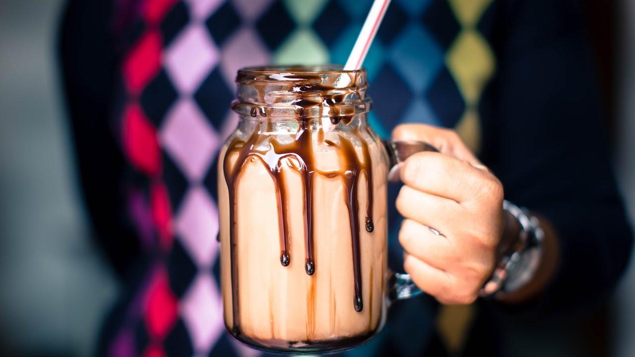 ledeno-kafe-so-sladoled-i-chokolado-za-niskite-zimski-temperaturi-www.kafepauza.mk