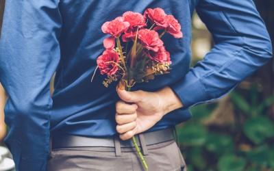 Момци заборавете на цвеќињата и чоколадите! Еве што навистина сакаат жените за 8-ми март...