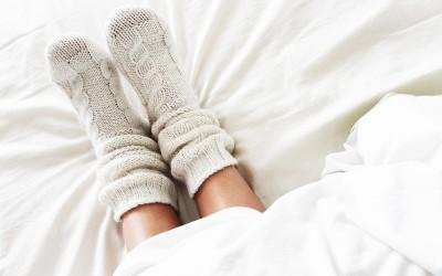 Зошто спиењето со чорапи е одлично за вашето здравје?