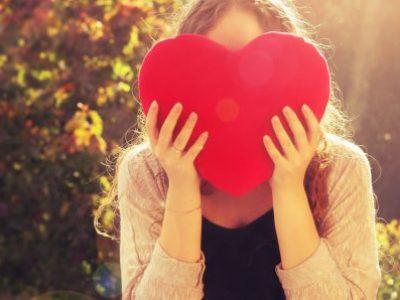 13 знаци кои покажуваат дека не се сакате доволно