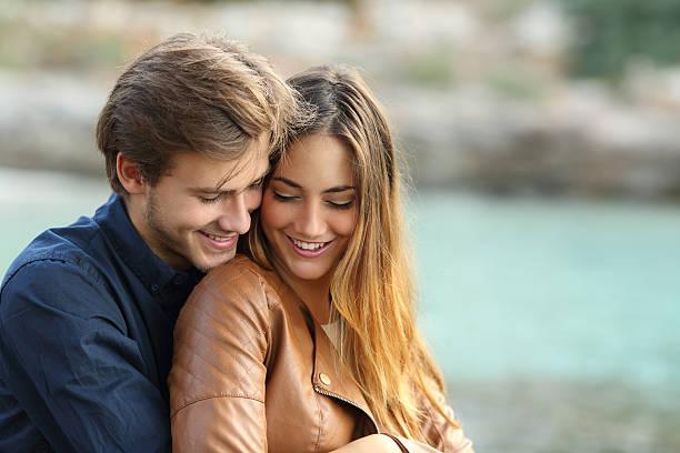 Како да ја одржете мистеријата во вашата врска?